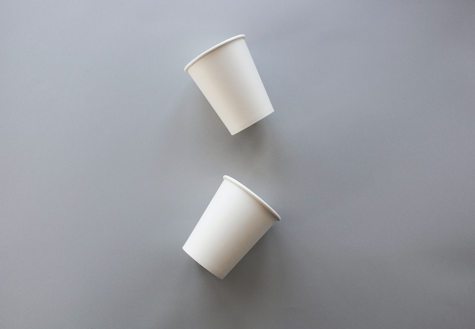 white recyclable coffee cups